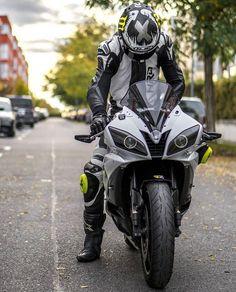 – bikes n bikers – – Top Motorrad And Wallpaper Motorcycle Suit, Futuristic Motorcycle, Motorbike Girl, Yamaha Bikes, Yamaha Yzf R6, Ducati Motorcycles, Gp Moto, Bike Leathers, Sportbikes