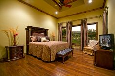 Bedroom: color, floors, ceiling