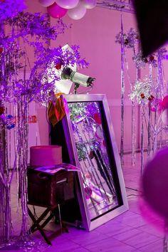 Η ενοικίαση Mirror Booth προσφέρει στους καλεσμένους σας μια ξεχωριστή εμπειρία φωτογράφισης χρησιμοποιώντας έναν εντυπωσιακό διαδραστικό καθρέπτη. Custom Animated customised μηνύματα, γραφικά και video, προβάλλονται στο καθρέφτη για να καθοδηγήσουν τους καλεσμένους σε μια fun φωτογράφιση. Η τέλεια φωτογραφία είναι δεδομένη μιας και μπορείτε να δείτε τον εαυτό σας σε ένα ολόσωμο καθρέφτη και να ποζάρετε, όπως ακριβώς επιθυμείτε. Mirror Booth, Strawberry Meringue, Tunnel Of Love, Party Co, Custom Neon Signs, Dj Lighting, Bridal Fashion Week, Signature Cocktail, The Balloon