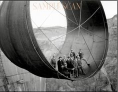 Hoover Dam build photos reveal the wonder of human invention. 1935 Officials ride in one of the penstock pipes of the soon-to-be-completed Hoover Dam. Rare Historical Photos, Rare Photos, Vintage Photographs, Iconic Photos, Photos Vintage, New Orleans French Quarter, Old Pictures, Old Photos, Random Pictures