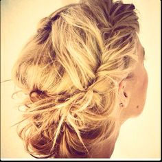 Love. My hair in not long enough or thick enough for this style.