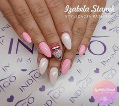 Szmaragd Efekt w towarzystwie Hola Lola Gel Brush by Izabela Stanek Indigo Young Team! Jeśli lubisz nasze piny śledź nas na Pintereście! #nails #nailsart #pink #icon #pastel
