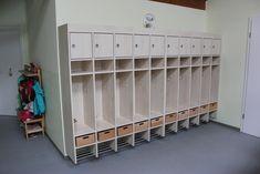 Garderobe, Kindergarten Garderobe. Kindergarten Innenausbau, Kindergarten-Einrichtungen mit Tradition! #Kinder #Bewegung #Kindergarten #Ausstattung #Krippe #Raumkonzepte