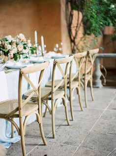 Inspiring destination brides this Arizona wedding inspiration shoot by Leslie D Photography and Sarah's Wedding Garden is romantic, warm and inviting. Captured at the Royal Palms Hotel.