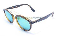 Ray-ban New Gatsby Rb 4257  Inspirado no estilo do Ray-Ban Gatsby original surge esse novo modelo da Ray-Ban, um óculos feminino que pode mudar sua perspectiva para sempre. Com inspiração retrô, esse modelo junta o moderno com a recordação aos ícones do passado.  http://oticasbrasil.com.br/ray-ban-new-gatsby-rb-4257-6092-3r-oculos-de-sol