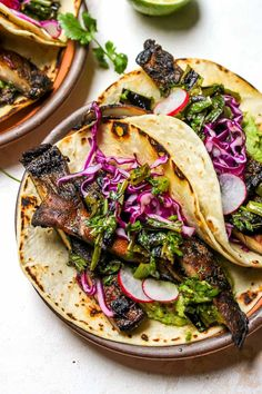 These summer vegetarian recipes are guaranteed to be easy and delicious! From simple vegan summer pasta to vegetarian tacos there's something for everyone! Summer Vegetarian Recipes, Vegetarian Tacos, Mexican Food Recipes, Fall Recipes, Vegan Recipes, Vegetarian Mexican, Vegetarian Barbecue, Cooking Recipes, Barbecue Recipes