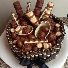 ღ sαℓσмé ∂єsєrτ ღ Big Cakes, Sweet Cakes, Love Chocolate, Chocolate Cake, Super Torte, Delicious Desserts, Dessert Recipes, Dessert Platter, Peanut Butter Desserts