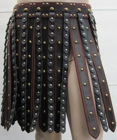 ~ Living a Beautiful Life ~ Deluxe Roman Gladiator Leather Armor War Skirt. Very similar to what they wear in Roman Armor, Arm Armor, Larp, Gladiator Costumes, Costume Armour, Leather Armor, Leather Skirt, Fantasy Armor, Cosplay