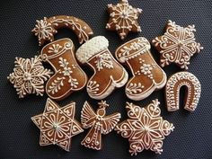 This Pin was discovered by Оль Christmas Cooking, Christmas Desserts, Holiday Treats, Christmas Treats, Xmas Cookies, Cupcake Cookies, Sugar Cookies, Cute Cookies, Christmas Gingerbread
