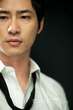 kang ji hwan Lie to me, Hong gil Dong, 90 Days to Love, Coffee House.just a few of the dramas. Korean Wave, Korean Star, Korean Men, Asian Men, Asian Guys, Yoon Eun Hye, Kdrama, Asian Actors, Korean Actors