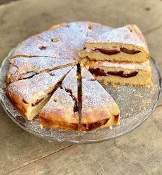 Habkönnyű szilvás-túrós pite - GastroHobbi Camembert Cheese, Dairy, Bread, Food, Brot, Essen, Baking, Meals, Breads