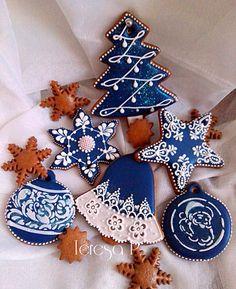 Christmas Sugar Cookies, Christmas Sweets, Christmas Gingerbread, Noel Christmas, Holiday Cookies, Christmas Baking, Snowflake Cookies, Christmas Recipes, Fancy Cookies