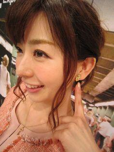 Pearl Earrings, Pearls, Fashion, Moda, Pearl Studs, Fashion Styles, Beads, Bead Earrings, Fashion Illustrations
