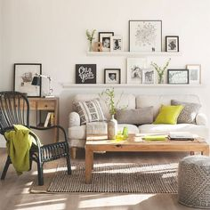 Such a beautiful home seen on The Design Files. Julia Green is definitely not afraid to use colour and it looks amazing! I especially love the colours used in the living room. {photos' source - The Design Files} Living Room Green, Living Room Colors, Home And Living, Living Room Designs, Living Room Decor, Bedroom Decor, Living Room With Desk, Dining Room, Wall Decor