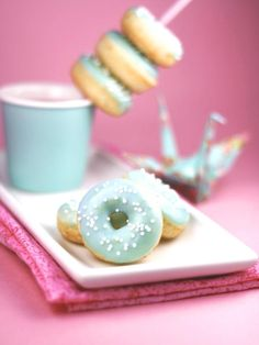 #DIYWedding Recipe:  Vanilla Bean Mini Donuts>>  http://www.hgtv.com/entertaining/simple-wedding-cakes-and-desserts/pictures/page-9.html?soc=pinterest