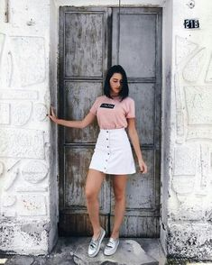 35 cool outfits that will make you look cool Tumblr Outfits, Mode Outfits, Skirt Outfits, Trendy Outfits, Fashion Outfits, Womens Fashion, Foto Casual, Fashion Photography Poses, Street Style Looks