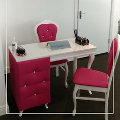 The best color in the whole world is the one that looks good on you!  #furnituredesign #nailfashion #nailsalon #beautysalon #spa #beauty #nails #nailsofinstagram #nailstagram #salon #beautygram #beautylover #beautyqueen #beautysalon #furniture #dublin #dublincity #bellafurniture #bespoke #hair #hairdresser #interiordesign #interior #interiors #interiorstyle #interiorstyling