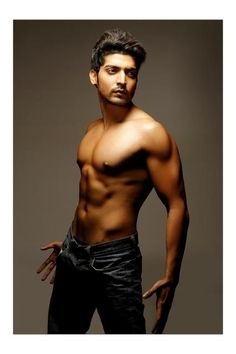 Gurmeet Choudhary Ahhhhhhhhhh toooo much hotness in 1 place! Tv Actors, Actors & Actresses, Gurmeet Choudhary, Long Face Hairstyles, Star Cast, Long Faces, It Movie Cast, Upcoming Films, Handsome Actors