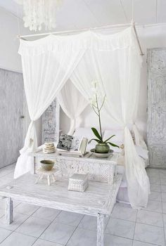 Pure and shabby chic