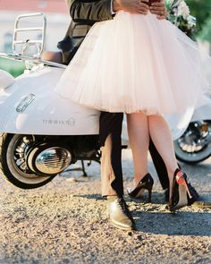 Can we just discuss how adorable this duo is? I mean, for starters that tutu skirt needs to be in mycloset ASAP, and that Vespa getaway? Don't even get me started, because honestly I could go on forever discussinghow much I love this Berlin elopement fromKatja Scherle Festtagsfotografien. It's festive meets fabulous, and lucky for […]