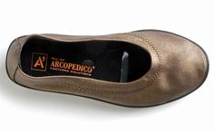 Product Review: If you like to look somewhat like a local on the road, but do a lot of walking while traveling, these shoes are definitely worth it.