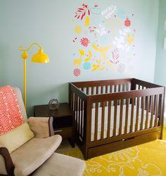 Quarto de bebê unissex azul aqua e amarelo | Quarto de bebê – Decoração, bebês, gravidez e festa infantil