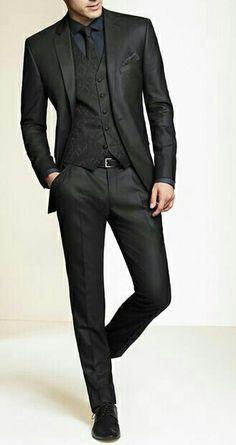Un traje siempre debe ir ajustado.