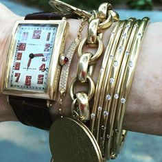 Charm bracelet has new company vintage Tiffany watch Jewelry Rings, Jewelry Accessories, Jewelry Design, Custom Jewelry, Vintage Jewelry, Mixed Metal Jewelry, Rings For Her, Jewelry Armoire, Or Antique