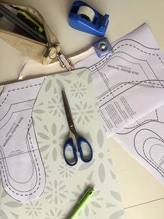 Tape dem fast, tegn dem evt op – d Crochet Socks, Knitting Socks, Knit Crochet, Knit Socks, How To Make Socks, Warm Socks, Fair Isle Knitting, Yarn Shop, Crafty Craft