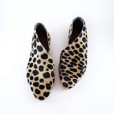 The Sandy SPO Hair On Leather Cheetah Spot Flats door SevillaSmith