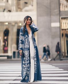 Processed with VSCO with preset Abaya Fashion, Muslim Fashion, Kimono Fashion, Modest Fashion, Indian Fashion, Fashion Dresses, Daily Fashion, Look Fashion, Womens Fashion