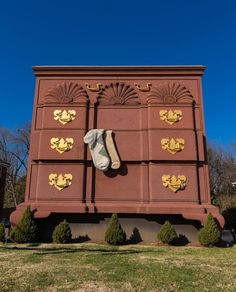 World's Largest Chest of Drawers, High Point, North Carolina, USA - Bryan Pollard/Getty Images