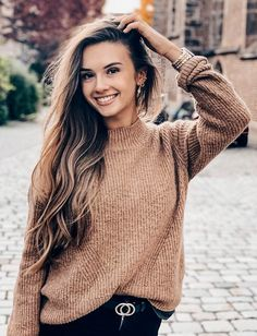 Only the finest eye candy of the classiest nature can be found here. Brown Hair Green Eyes Girl, Green Hair, Amelie, Weekender, Movie Halloween Costumes, Fashion Magazin, Models Wanted, Model Gallery, Portrait Shots