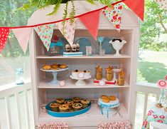 Vintage Americana Pie Party by Freshly Baked - featured on Inspired By This