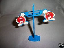 M&M's Blue CLICK DOWN LADDER 2 M&Ms Balancing Toy French Pocket Surprise Balance