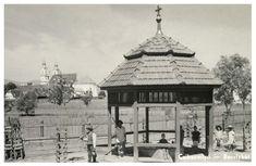 Csiksomlyó:borviz kút és a kegytemplom,1943. Gazebo, Outdoor Structures, Kiosk, Pavilion, Cabana