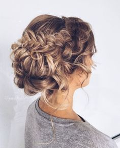cool 33 Gorgeous Curl Wedding Hairstyle Inspiration https://viscawedding.com/2017/04/13/33-gorgeous-curl-wedding-hairstyle-inspiration/