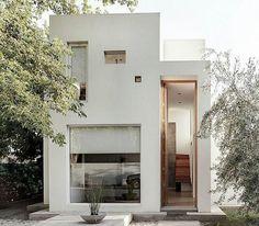 New House Modern Exterior Small Architecture Ideas Minimal House Design, Modern Minimalist House, Small Modern Home, Modern Tiny House, Minimal Home, Small House Design, Modern Design, Minimalist Interior, Modern Houses