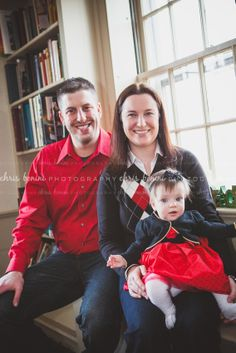 Indoor Holiday family photoshoot -- © Chris Bonini Photography #chrisboniniphotography #family #holiday