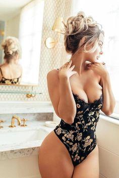 Beautiful Girls of Dorian Gray — jsc-lingerie-beauties: Emily Sears Sexy Bikini, Bikini Girls, Sexy Lingerie, Beautiful Lingerie, Corpo Sexy, Emily Sears, Sexy Women, Actrices Sexy, Toni Garrn