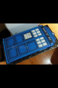Giant doctor who cake :0