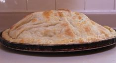 Lakror is Albanian style burek, that is taught by generation to generation and is filled with a variety of fillings. Popular fillings are, spinach and cheese, Albanian Recipes, Macedonian Food, Spinach And Cheese, Ground Meat, Dough Recipe, Greek Recipes, Closer, Onion, Lab