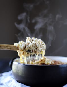 gruyere mac and cheese with caramelized onions I howsweeteats.com