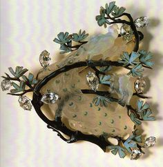 Lalique Four Peacocks on a Branch Brooch | Gulbenkian Museum