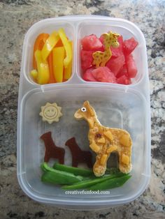 Giraffe Bento in #EasyLunchboxes for a trip to the zoo :)