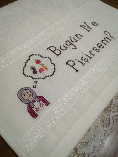 Do It Yourself Projects, Cool Diy Projects, Wool Embroidery, Bargello, Cross Stitch Patterns, I Am Awesome, Diy Crafts, Towel, Handmade