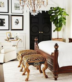 #HomeDecorTips - Painting doors black will add a sleek touch to any bedroom! The black doors look sophisticated and elegant, and it's an easy way to spruce up a space.