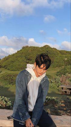 Korean Male Actors, Ong Seung Woo, Incheon, Seong, Lee Min Ho, Vespa, Boyfriend Material, Korean Drama, Kpop