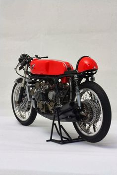966 Honda RC166 | 250cc 6 Cylinders Road Racer | GP racing great Mike Hailwood rode this bike to victory winning 10 of 10 races in the 1966 250cc World Motorcycle Championships