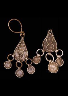 Caucasus - Armenia, Yerevan | Pair of earrings; silver alloy | Necklace; silver or silver toned metal. // ©Quai Branly Museum. 71.1946.83.146.1-2 D